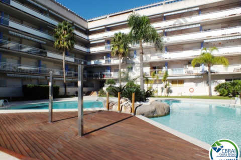 Nice apartment with two bedrooms and comunal pool for sale in Rosas
